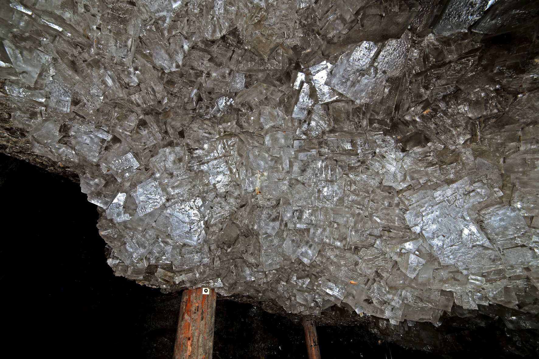 Grupa kryształów w Górnej Grocie Kryształowej
