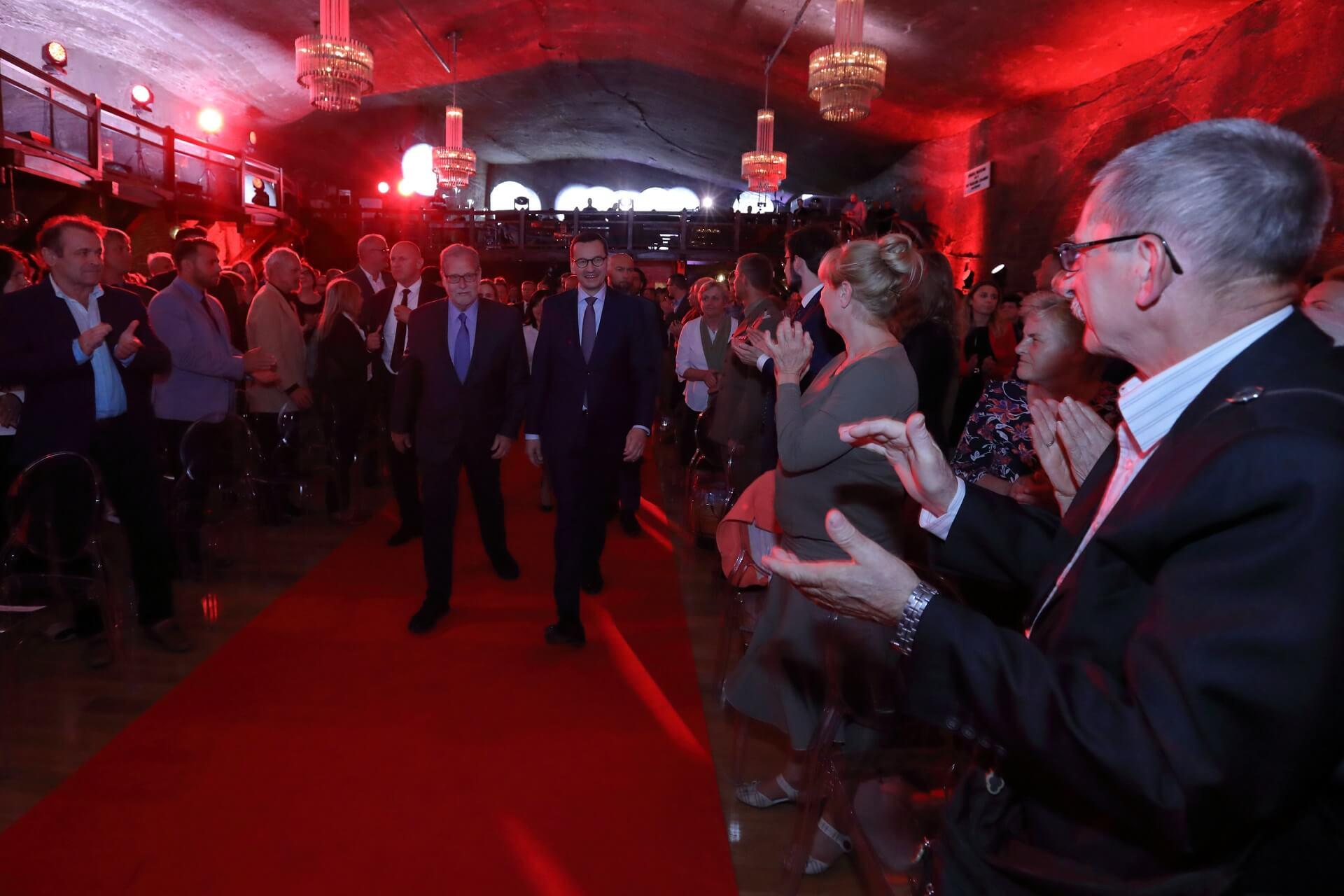 "Obrazek artykułu Premier Mateusz Morawiecki w kopalni. Polska premiera filmu ""The Royal Tour"""