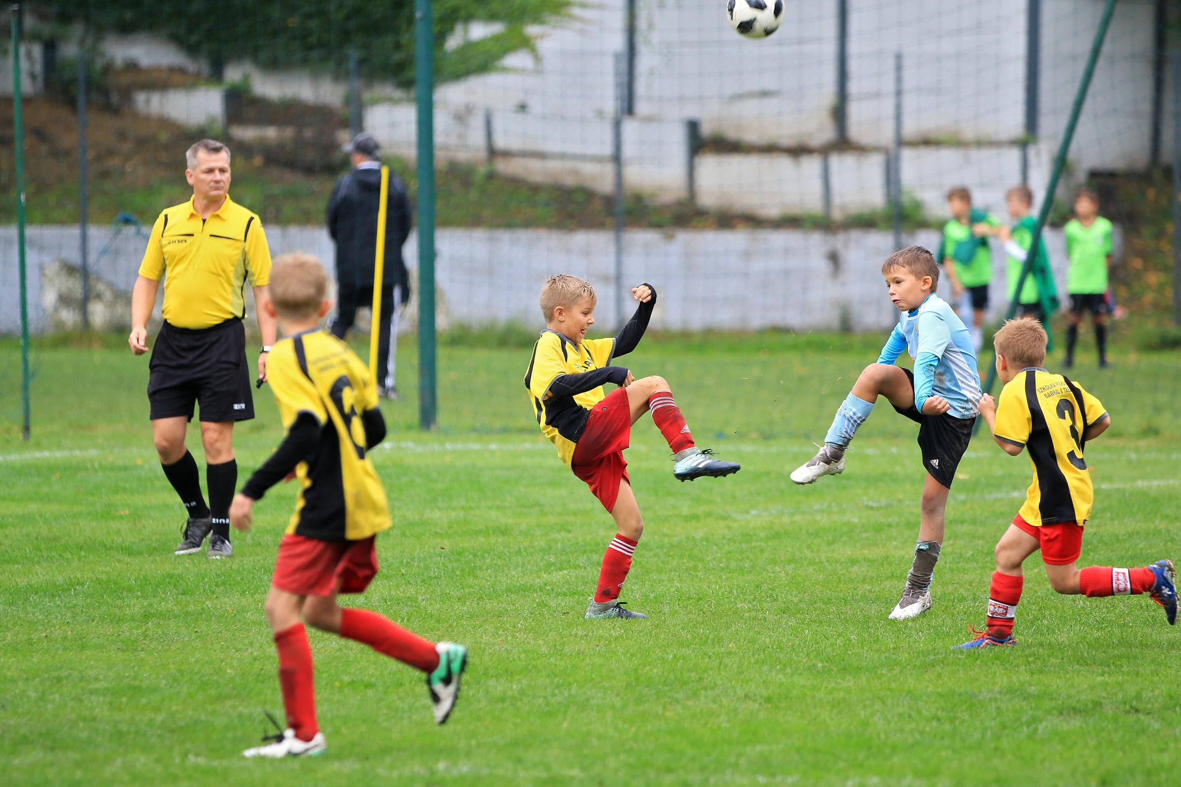 młodzi piłkarze podczas Salt Mine Cup